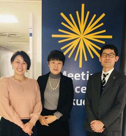 嶋田和泉(中央)、西山健太郎(右)、山口陽子(左)