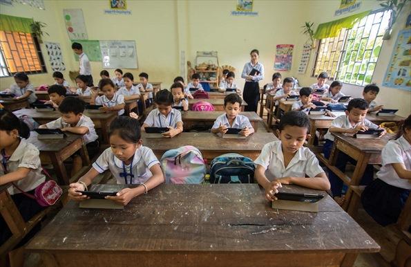 カンボジアでのシンクシンクの実証実験風景
