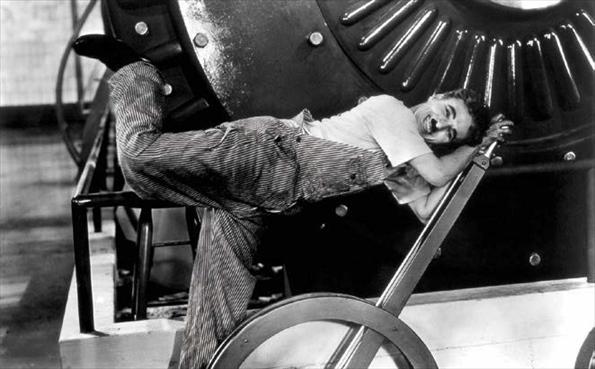 桜美林大学では「映画・映像史」の講義を担当。映像・映画の歩みを学び、社会・文化の中に位置づけて理解する(チャーリー・チャップリン『モダン・タイムス』)