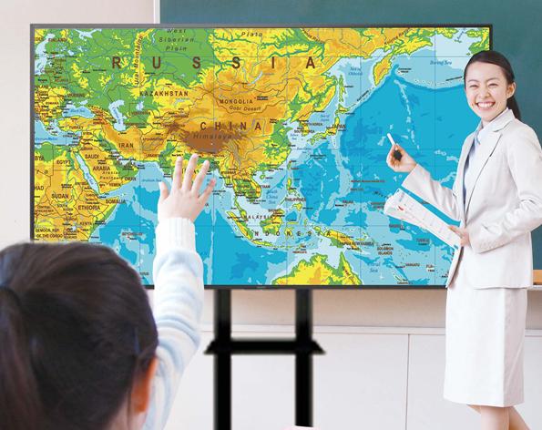 ソニーの4K大型提示装置は、高画質や視認性の良さで高い教育効果を実現