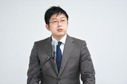 川山竜二教授