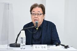 青山忠靖特任教授