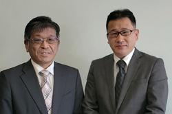 仙台白百合学園小学校 早坂博之 校長(左)、同 浅沼勉 教諭(右)